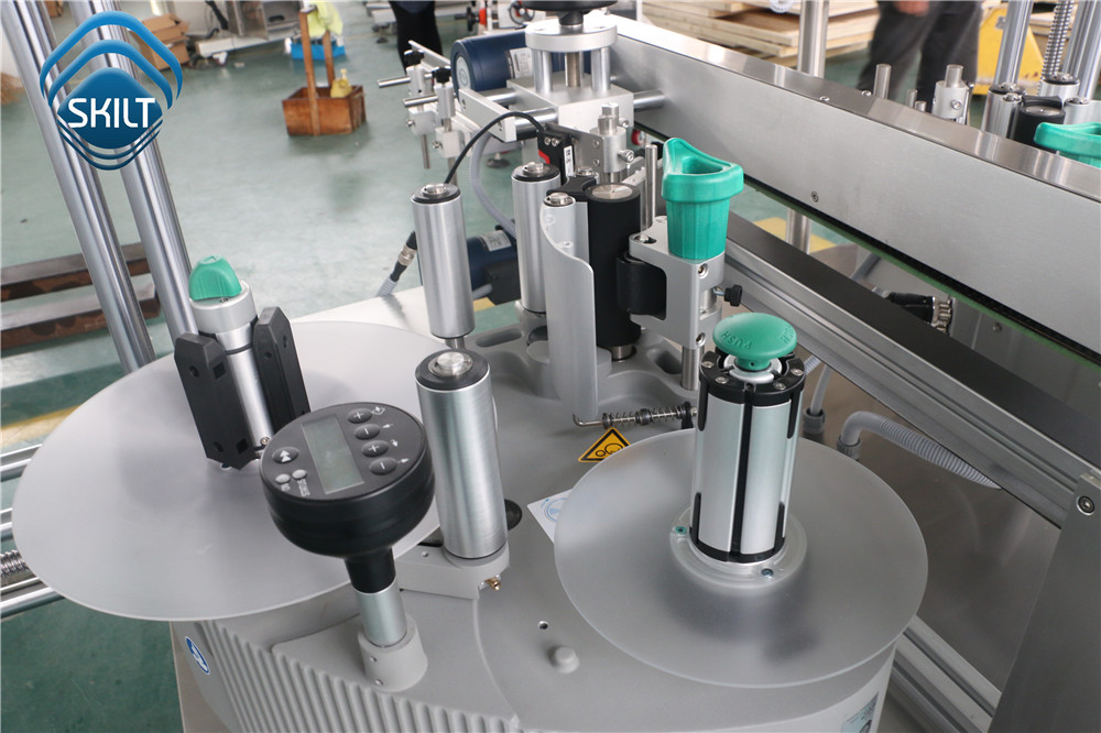 Small Carton Corners Labeling machine